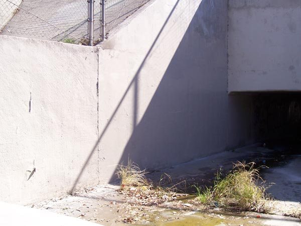 https://www.graffiticontrol.com/wp-content/uploads/2011/04/wc3_before.jpg
